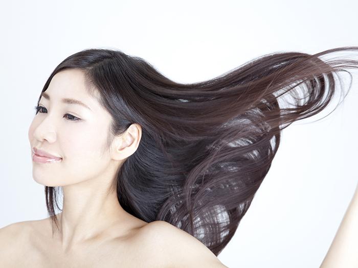 毛穴の汚れを落とす。髪の中から栄養を与えて、本来の美しさへ